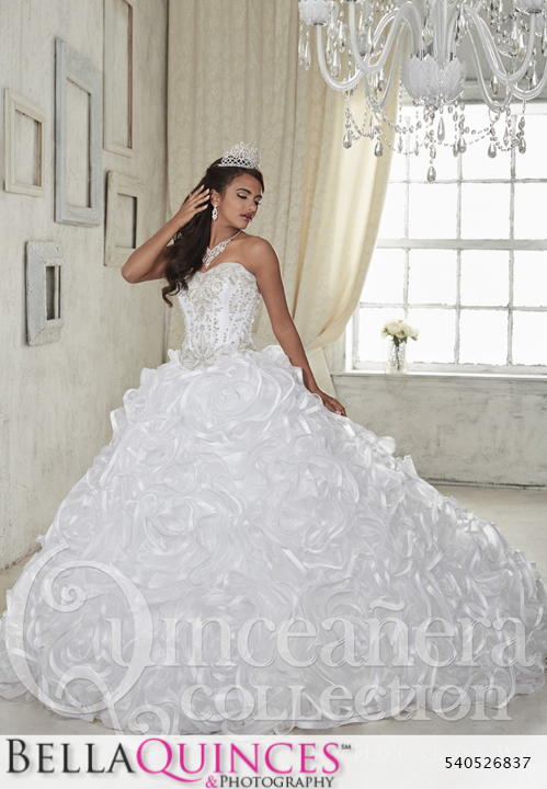 5bc77ebaf53 26837 white quinceanera collection bellaquinces photography