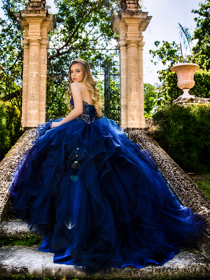 b7da69190 Quinceanera photography on Vizcaya with blue dress